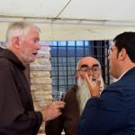 fr.Mauro Jöhri (Ministro Generale dei Frati Minori Cappuccini), Fra  Giulio Criminesi (guardiano del convento di Recanati), Francesco Fiordomo (sindaco di Recanati)